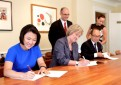 SOHO中国基金会与哈佛签约