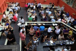 仲夏楼顶喝风景:13家波士顿露天酒吧